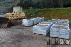 manias-stone70